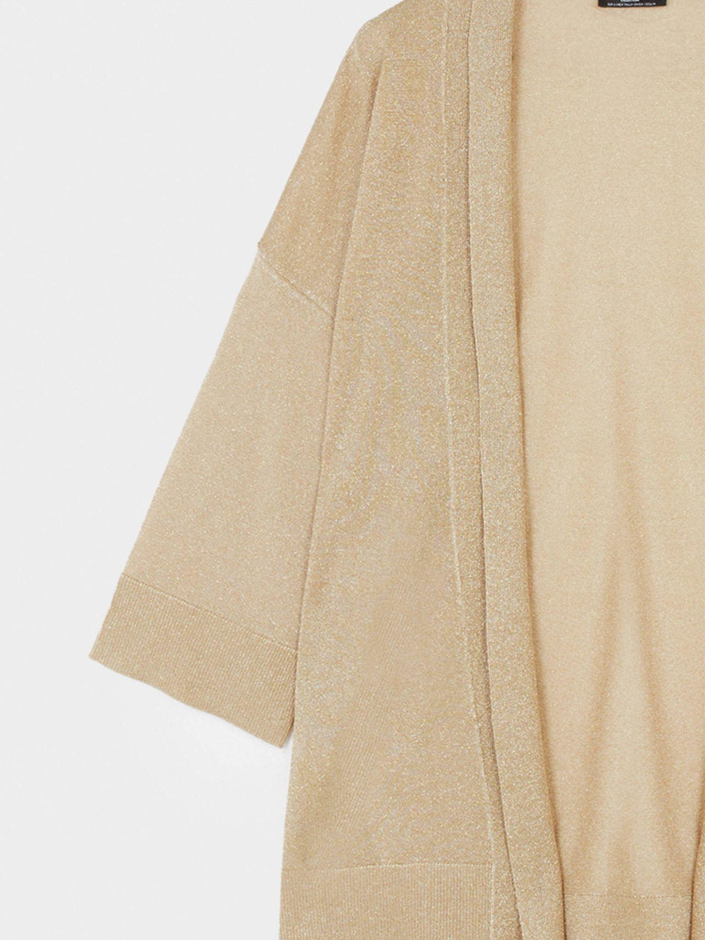 Kimono beige de Parfois. (Cortesía)
