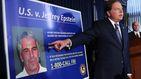 El millonario Jeffrey Epstein, acusado de tráfico sexual de menores en sus mansiones