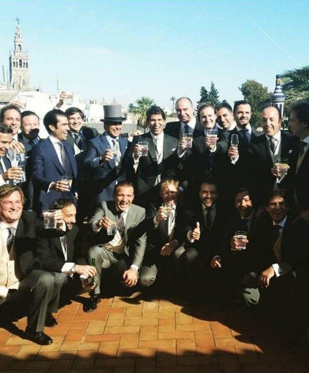 Foto: Cayetano y su brindis con los invitados (Instagram)