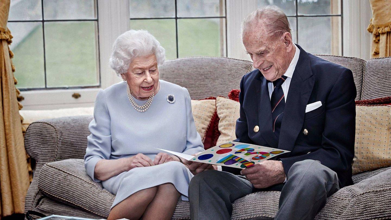 La última imagen del duque de Edimburgo junto a la reina, el pasado noviembre. (Palacio de Buckingham)