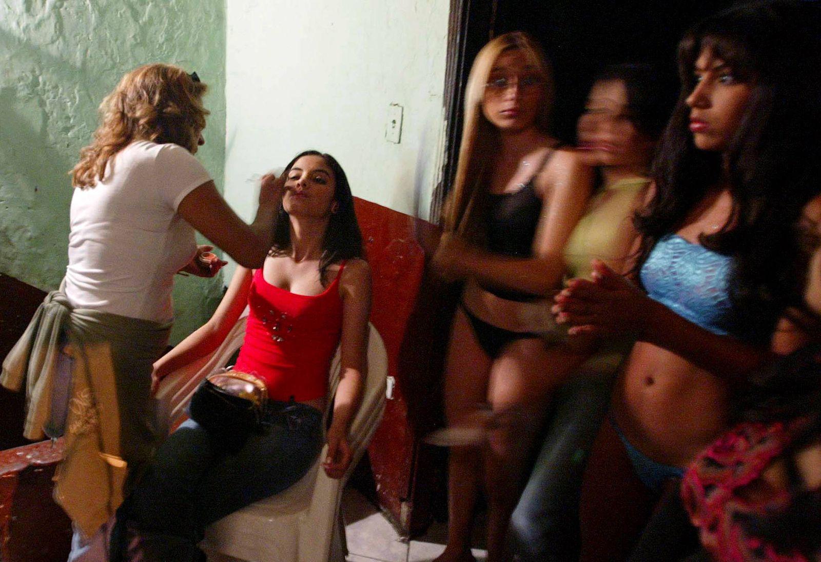 Actrices Colombianas Tetonas narcotráfico: las 'narco-modelos', un mito muy real