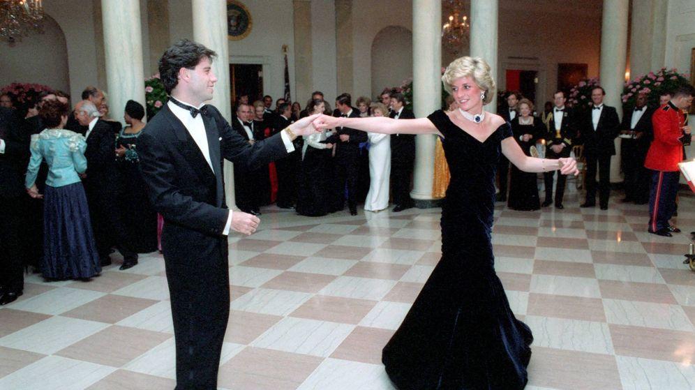 Foto: Travolta y Lady Di, bailando en la Casa Blanca. (Cordon Press)