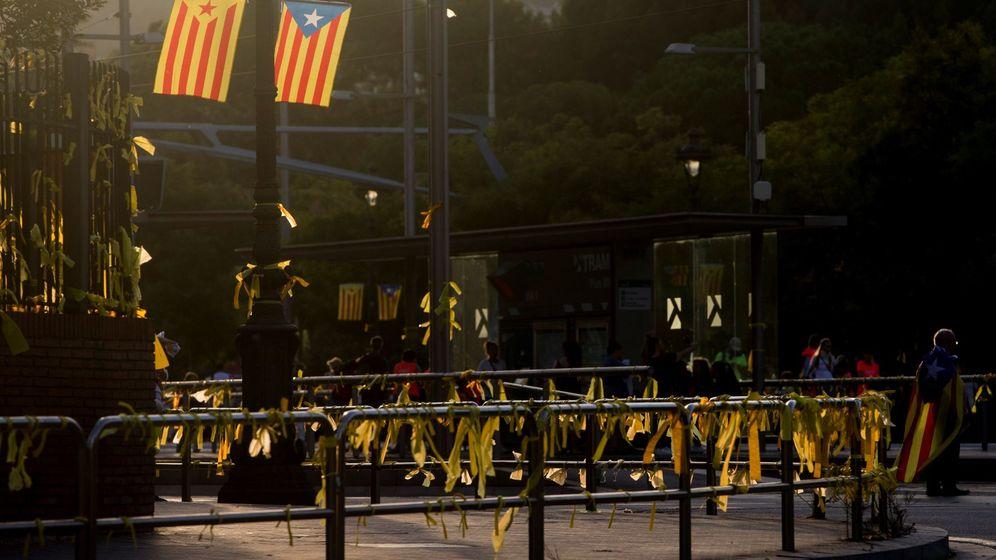Foto: Manifestación con motivo de la celebración de la Diada en una imagen de archivo de 2018. (EFE)