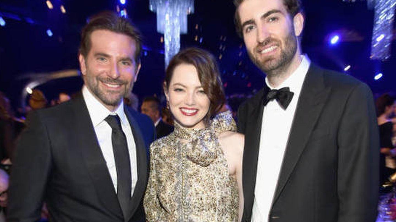 Bradley Cooper, Emma Stone y Dave McCary. (Getty)