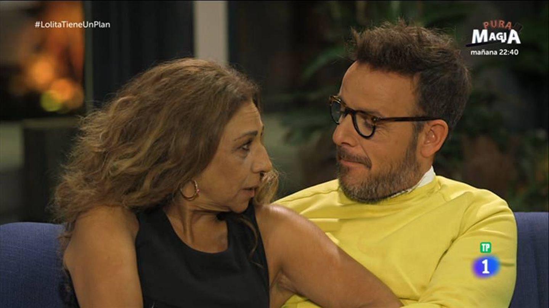 Lolita Flores y Àngel Llàcer en 'Lolita tiene un plan'. (RTVE)
