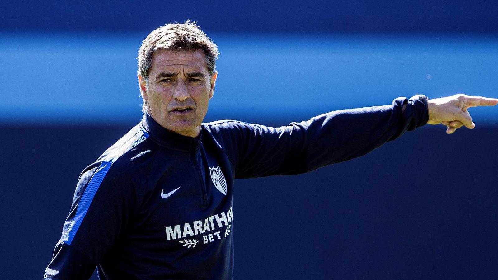 Foto: Míchel, durante un entrenamiento del Málaga. (EFE)