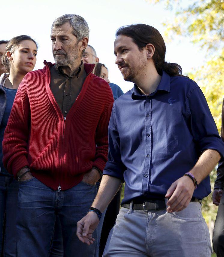 Foto: El líder de Podemos, Pablo Iglesias junto al JEMAD Julio Rodríguez. (Reuters)