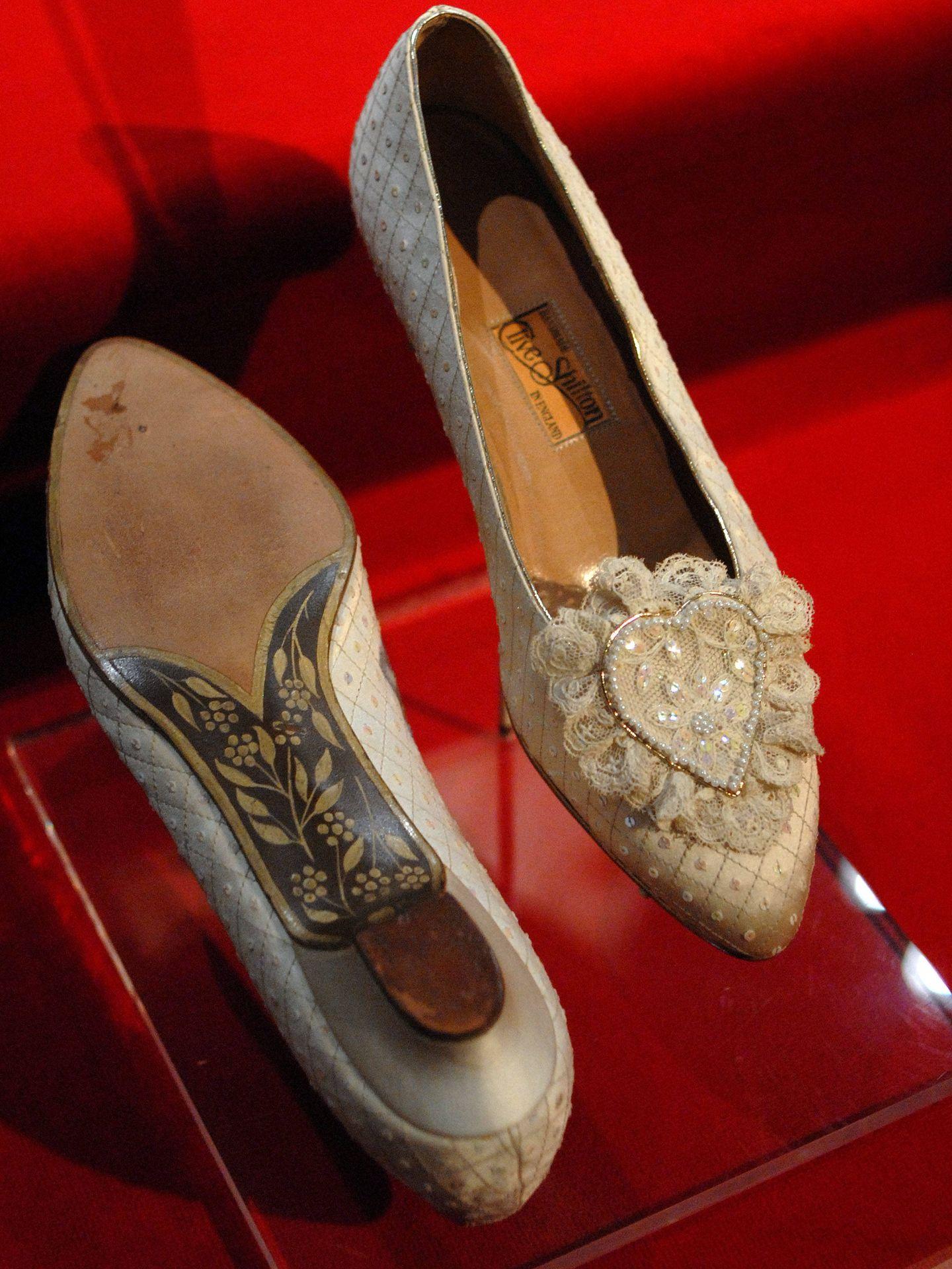Los zapatos de la boda de Diana de Gales.   (Getty)