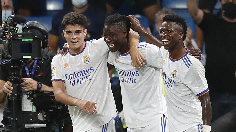 Vinícius celebra el gol de Camavinga. (Reuters)