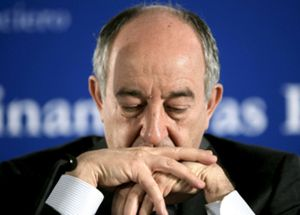 """El sector financiero español """"habla"""" de su reestructuración pero """"no camina"""", según The Economist"""