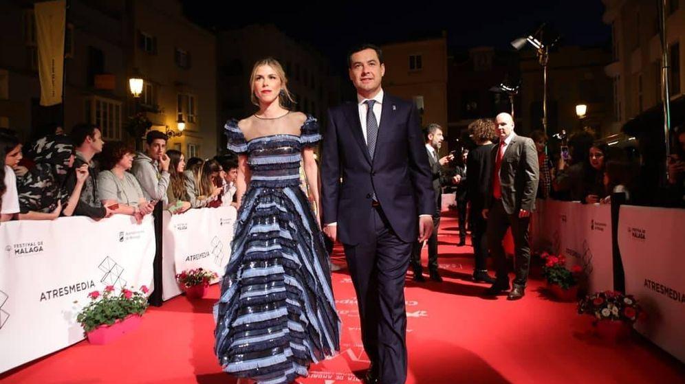 Foto: Juanma Moreno y Manuela Villena a su llegada al Festival de Cine de Málaga. (Instagram)