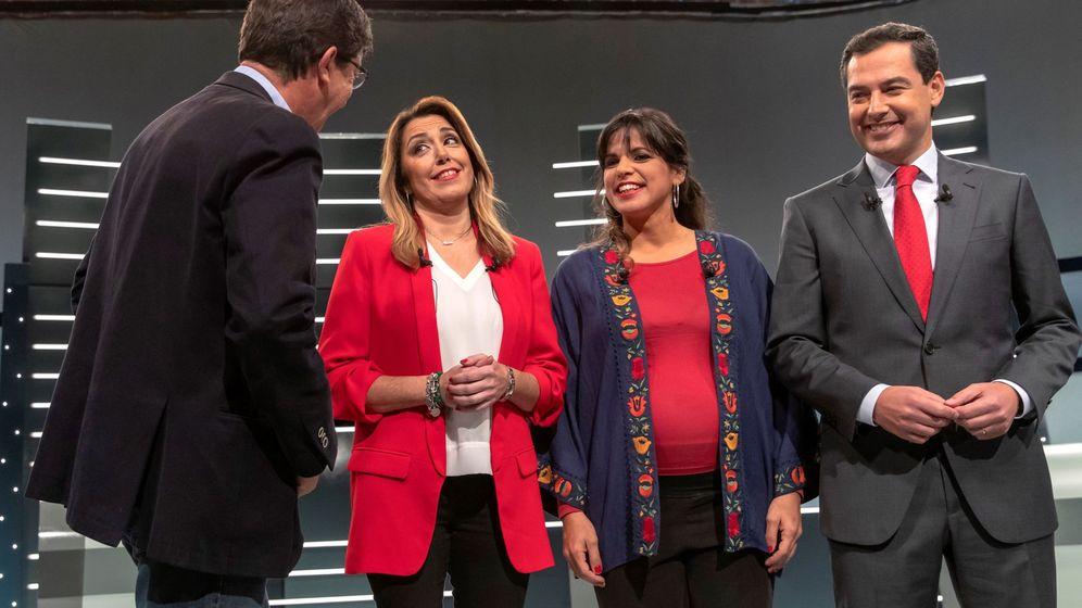 Foto: Los candidatos a las elecciones andaluzas, vestidos a juego durante el debate electoral. (EFE)