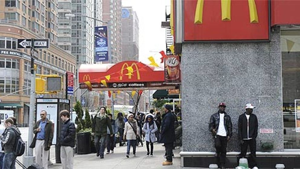Te vas a Londres, trabajas en McDonalds y luego te contrata Goldman Sachs
