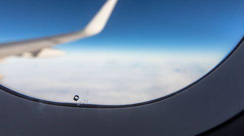 La extraña afección que puede sufrir tu oído cuando viajas en avión