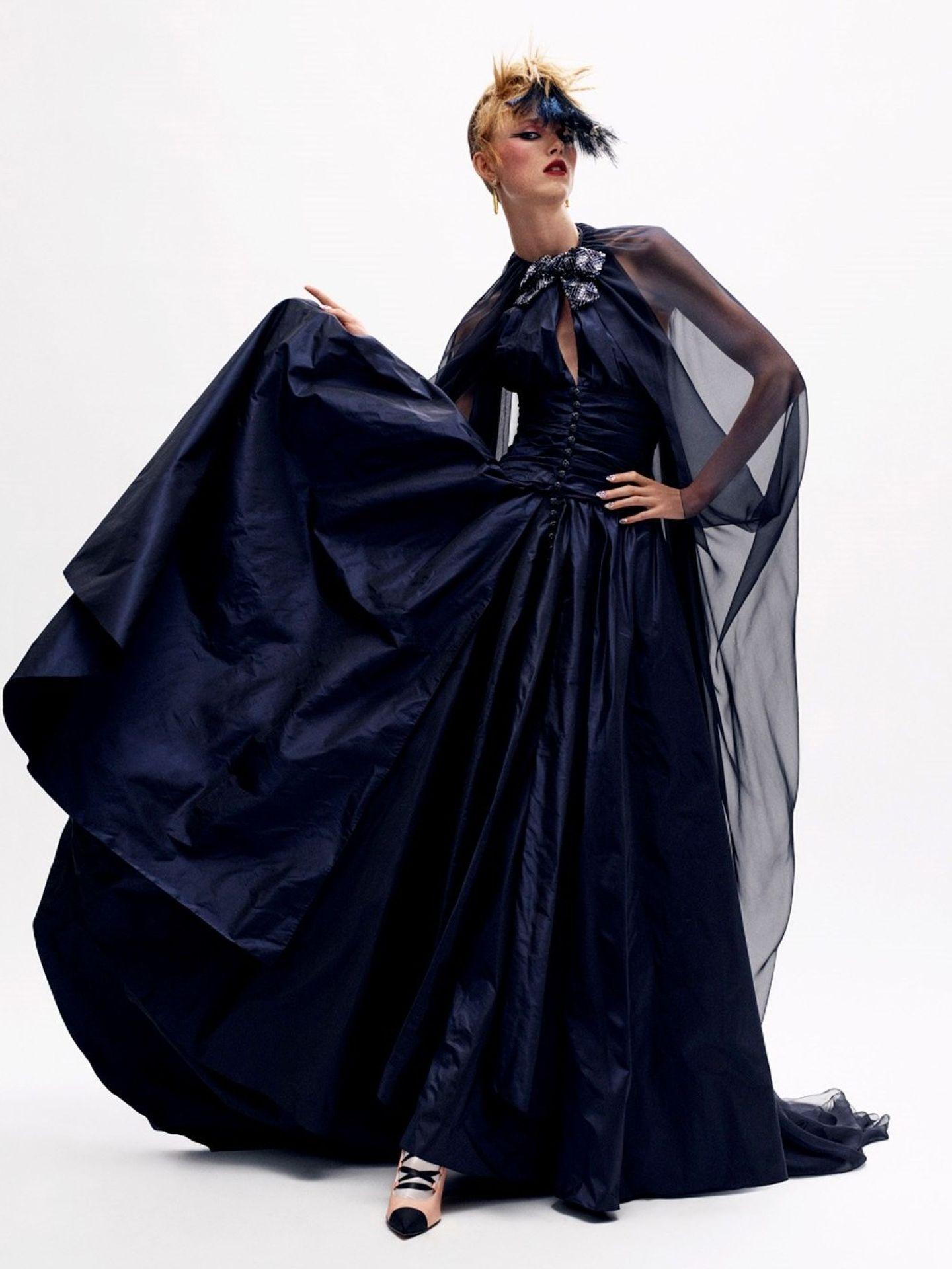Imagen de uno de los diseños de la colección otoño-invierno 2020/21 de alta costura de Chanel. (EFE)