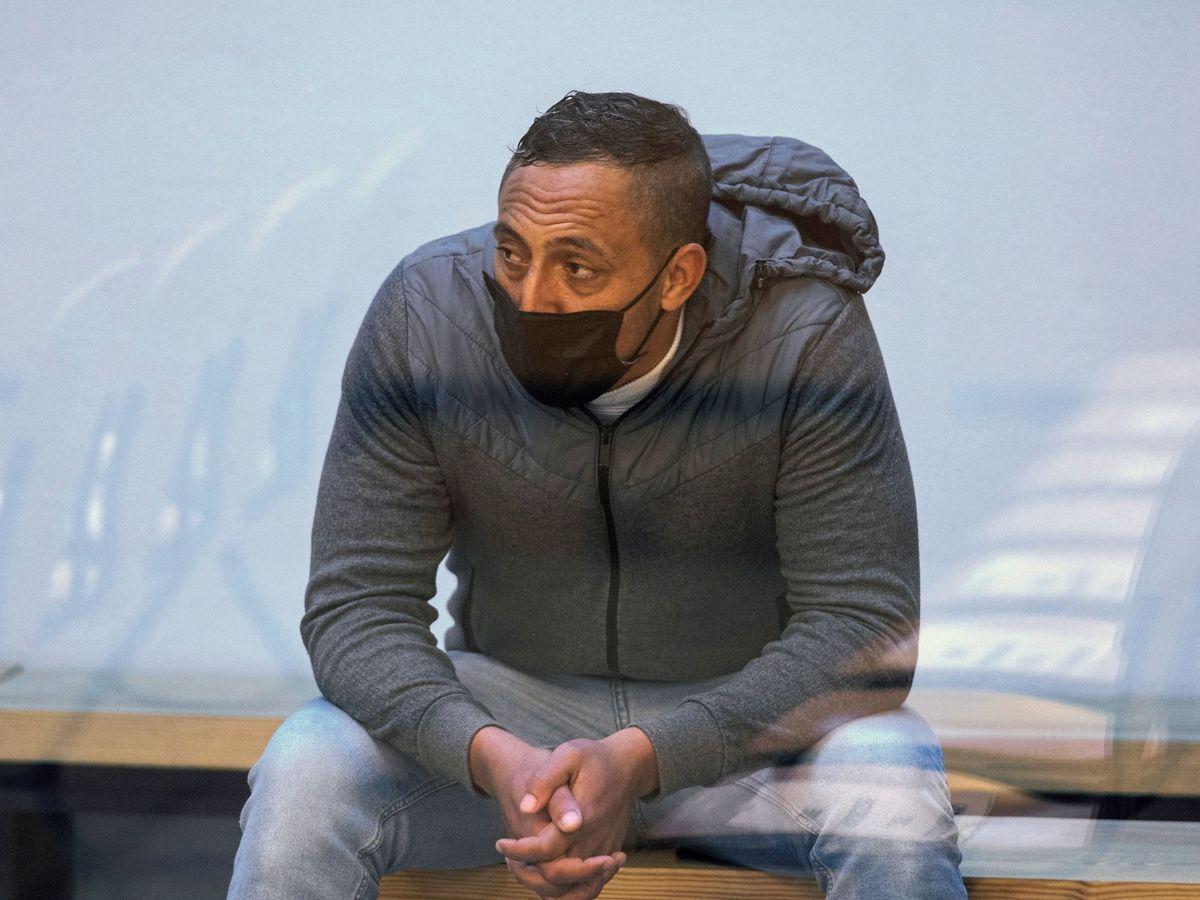 Foto: El acusado Driss Oukabir durante el juicio en su contra en la Audiencia Nacional el pasado noviembre. (EFE)