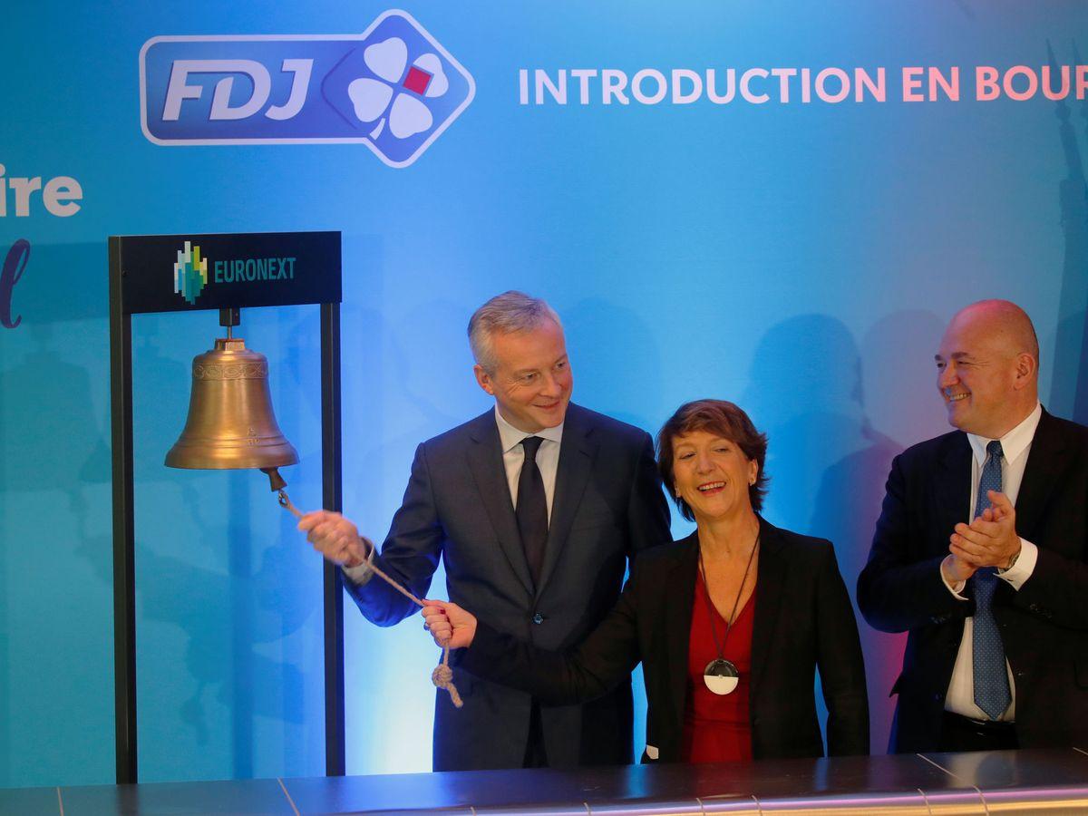 Foto: El ministro de finanzas de Francia en el tradicional toque de campana por el debut de FDJ