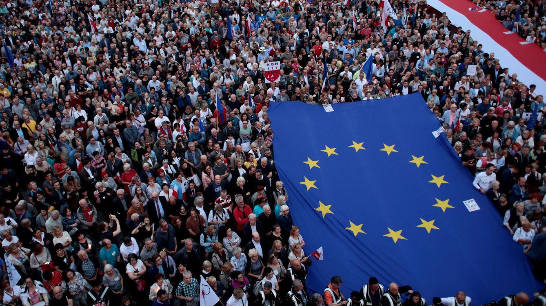 Foto: Protesta en Varsovia contra la reforma judicial impulsada por el gobierno polaco (REUTERS)