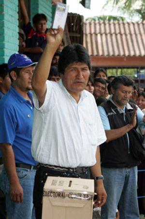 Morales llama a la unidad tras su victoria en las urnas