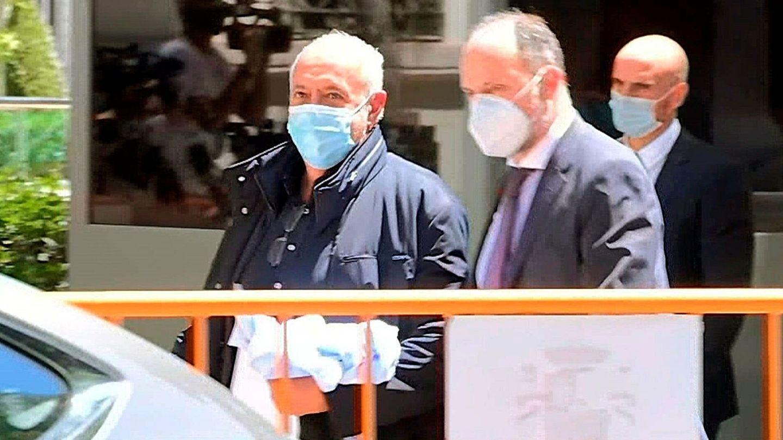Captura de vídeo que muestra a José Luis Moreno a su salida de la sede de la Audiencia Nacional. (EFE)