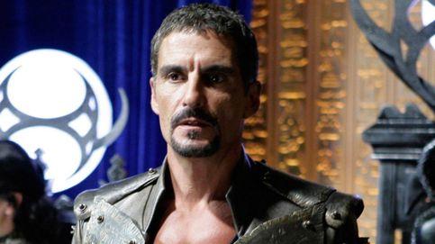 Muere Cliff Simon, el actor que dio vida al villano Ba'al en 'Stargate SG-1'