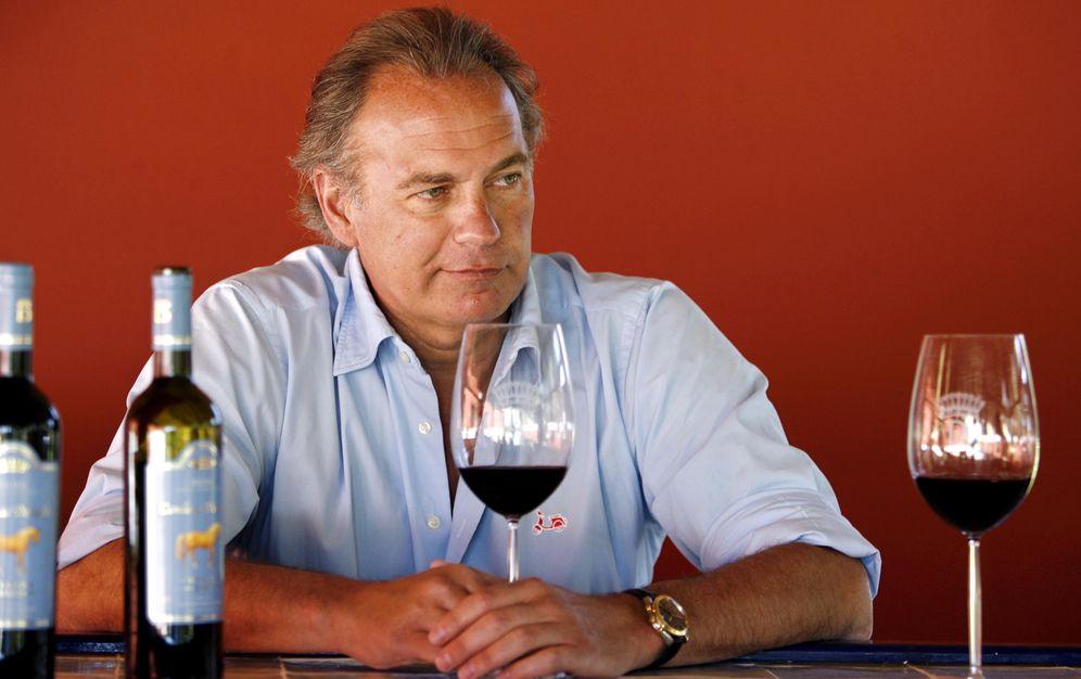 Foto: Bertín Osborne con sus vinos (Gtres)