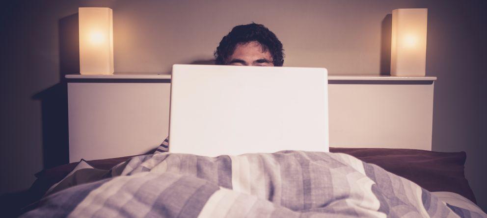 Foto: Internet ha democratizado el acceso al porno, y los españoles están encantados. (iStock)