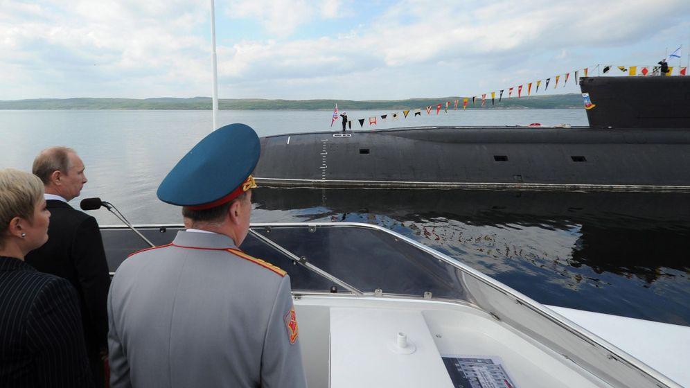 Foto: Fotografía de archivo que muestra al presidente ruso, Vladímir Putin, durante una visita a un submarino. (EFE)