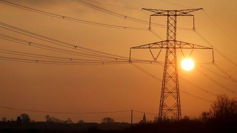 La luz, en máximos de 2013: 34% más cara que hace un año pese a la menor demanda