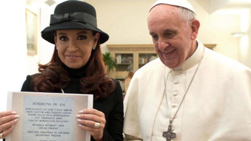 El informe Vatileaks está ya a disposición del Papa