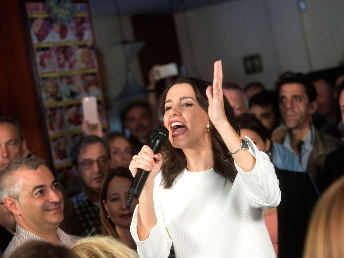 Foto: Inés Arrimadas, en un encuentro en L'Hospitalet de Llobregat. (EFE)
