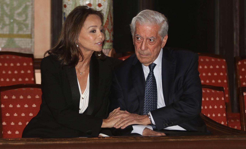 Foto: Mario Vargas Llosa e Isabel Preysler en una imagen de archivo (Gtres)