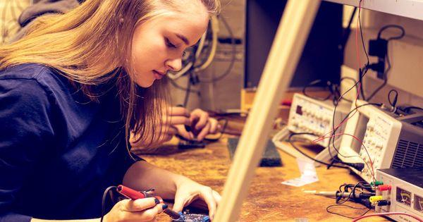El futuro de la educación: hacer prácticas gratis mientras estudias Bachillerato