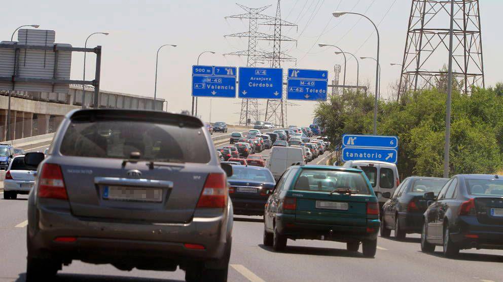 Atascos en las salidas de Madrid y BCN y complicaciones a la entrada de Valencia