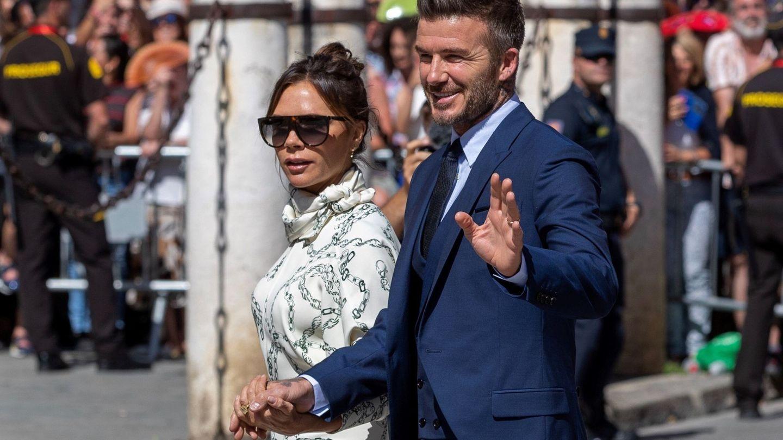David y Victoria Beckham, a su llegada a la catedral de Sevilla. (EFE)