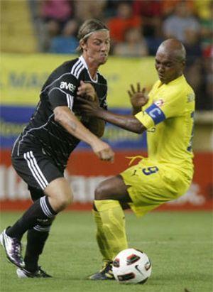 Marcos Senna podría acabar en el Galatasaray si el Villarreal no le respeta el sueldo