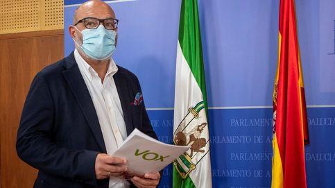 Vox reta a Moreno tras el giro de Casado: pide el pin parental y castigar a okupas