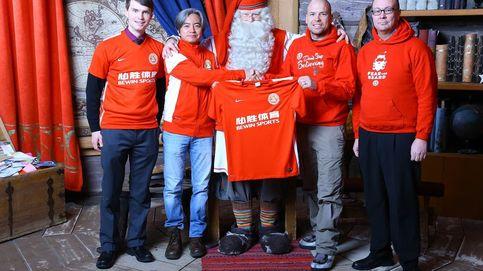 El 'Whatsapp chino' rescata en Navidad al FC Santa Claus, el club más solidario