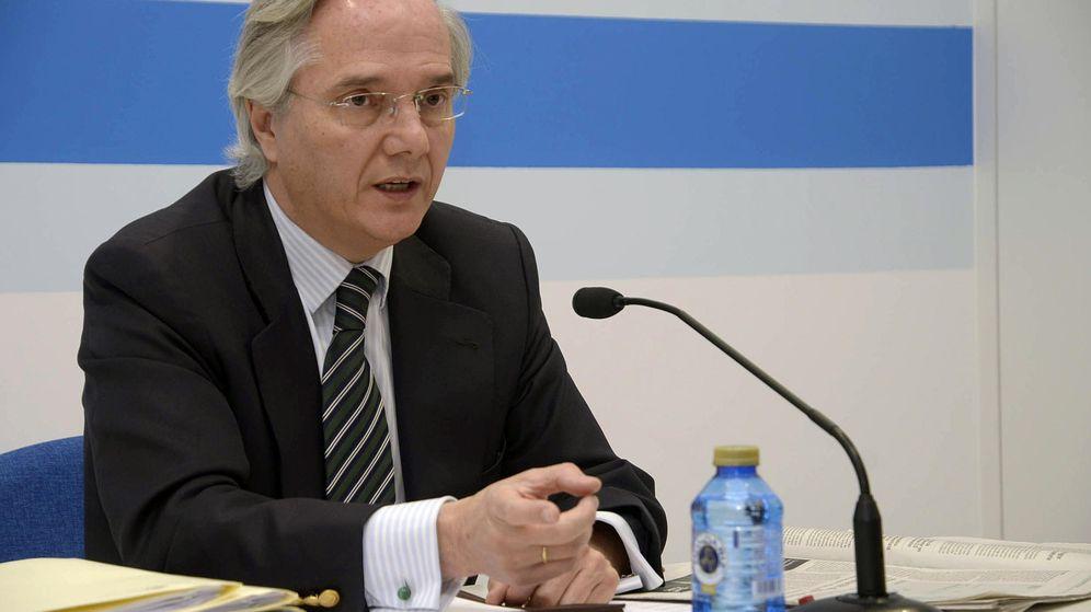 Foto: El diputado Gómez de la Serna en la sede del PP en Segovia. (Efe)