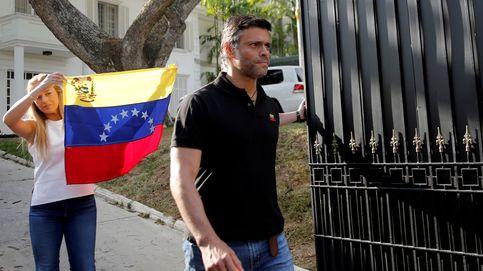 López no descarta una intervención militar extranjera y prevé 'cambios' en el Ejército