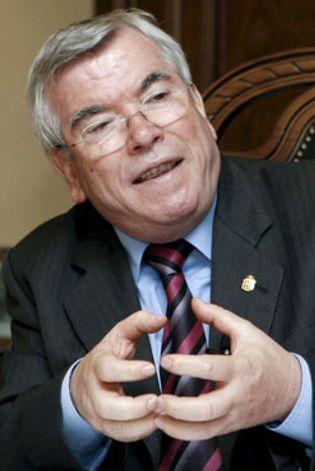 Foto: La mayoría de los alcaldes y concejales de España sólo tienen la EGB
