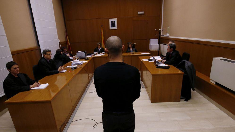 Foto: Mascherano, durante su comparecencia en la Audiencia de Barcelona. (Efe)