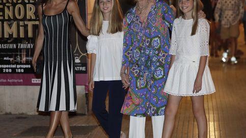 Uterqüe estiliza nuestra silueta con un vestido clavadito al de la reina Letizia