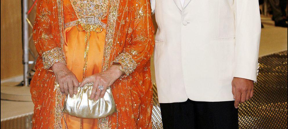 Foto: La actriz Gina Lollobrigida y Javier Rigau en una imagen de archivo (Gtres)