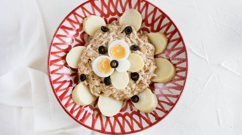 Vídeoreceta: ají de pollo con patatas, huevos y aceitunas