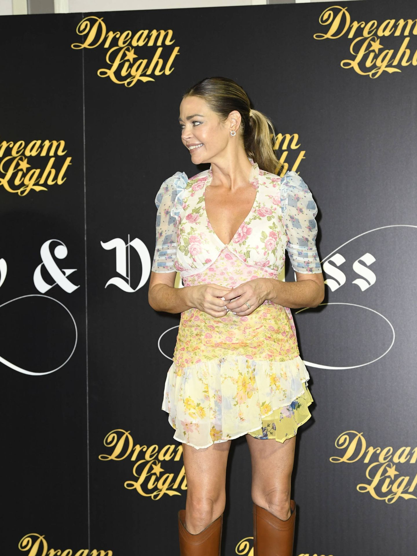 Denise Richards. (Limited Pictures)