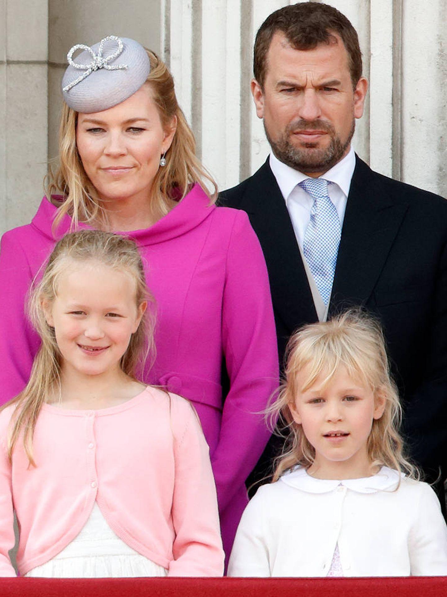 Peter Phillips, con Autumn Kelly y sus hijas. (Getty)
