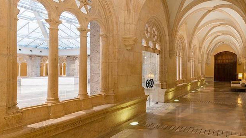 Un claustro monumental el del NH Palacio de Burgos. (Cortesía)