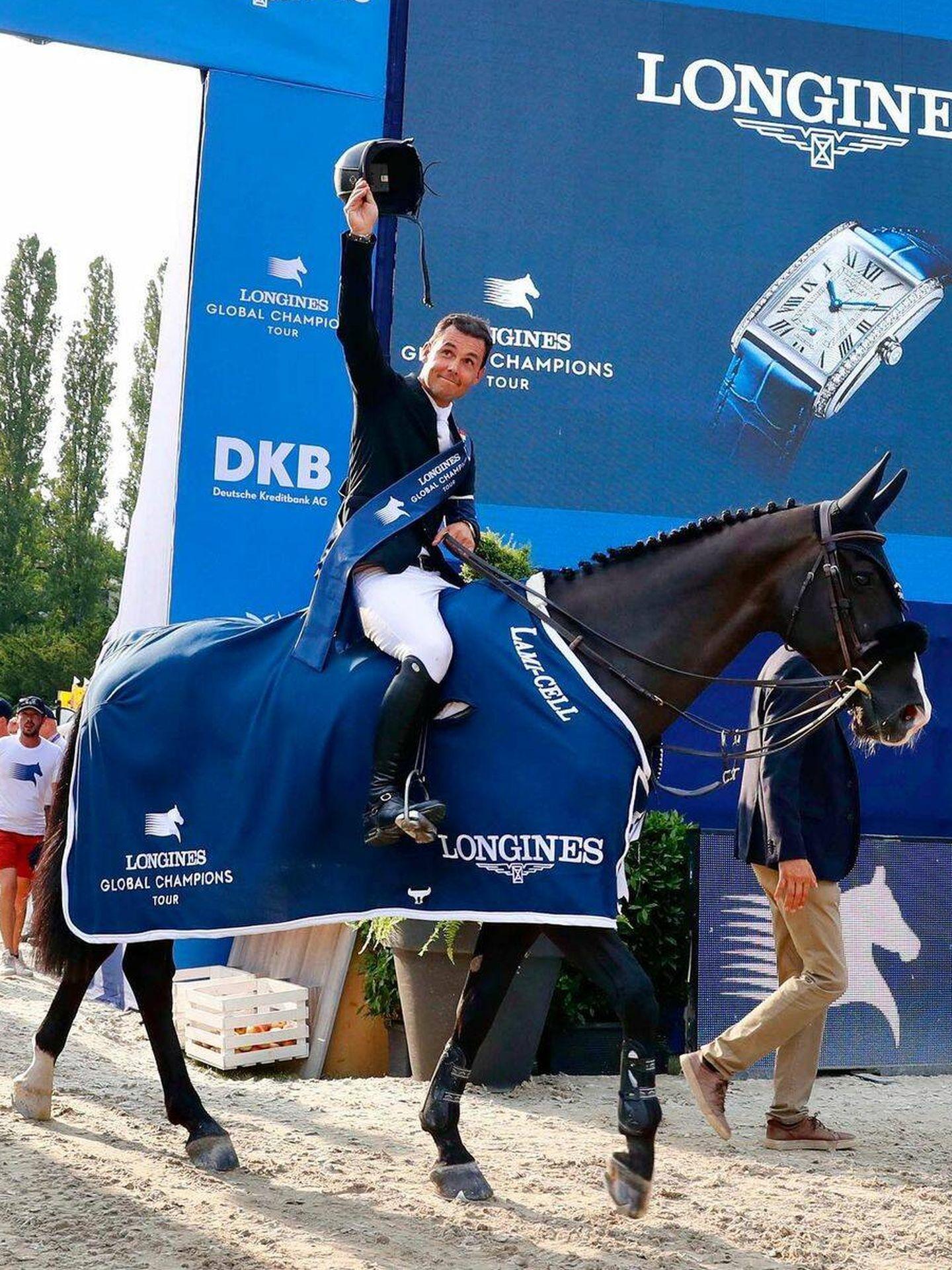 Sergio Álvarez Moya, tras proclamarse vencedor en Berlín con Álamo. (Longines Champions Tour)