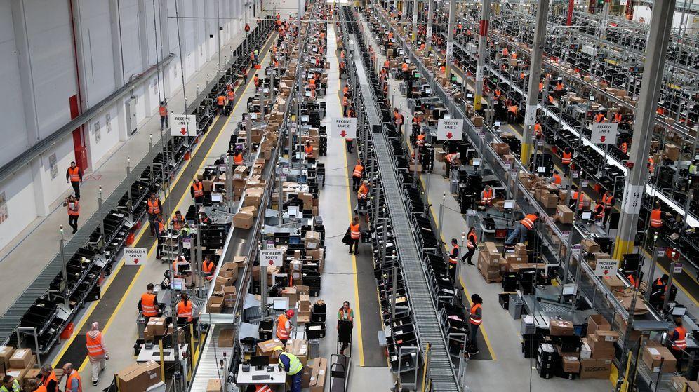 Foto: Trabajadores de Amazon en Dortmund. (EFE)